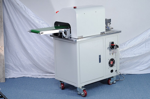 the machine operates simply and efficiently PCB cutter